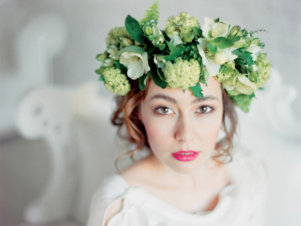 monochromatic-flower-crown-1
